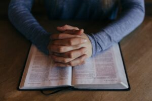 How to Pray? The Blessed Generation